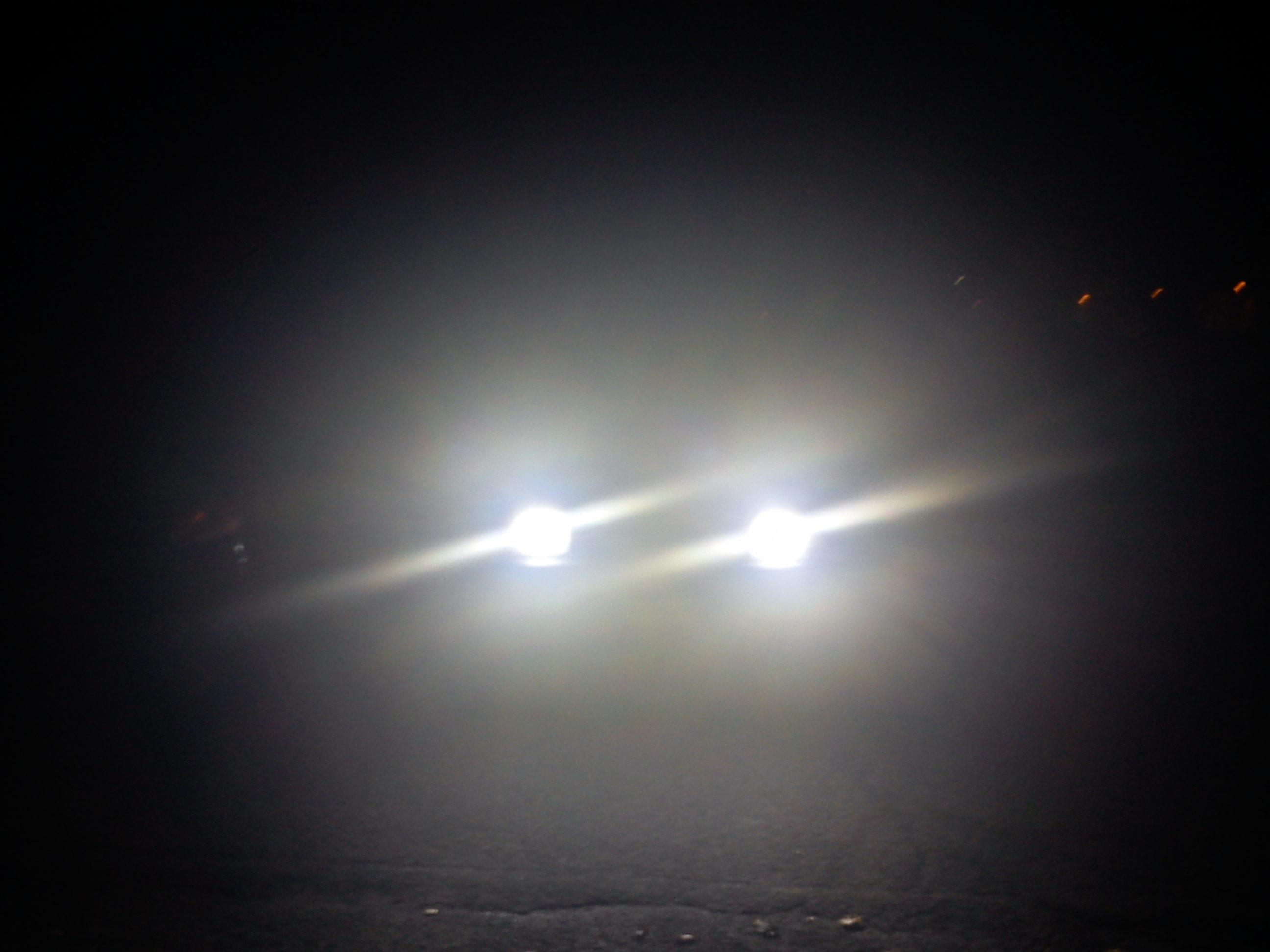 Risultati immagini per auto di notte